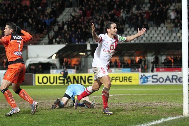 Grougi, buteur contre Laval (26e j : Brest - Laval : 2-1)